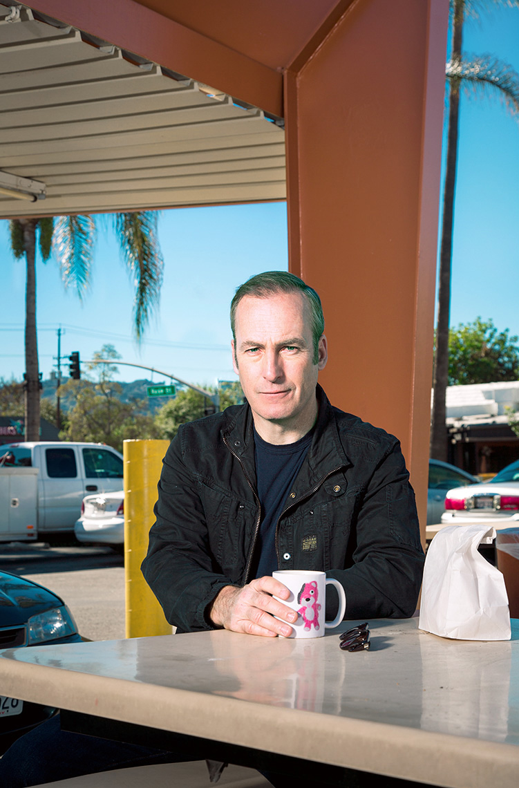 Bob_Odenkirk_outside